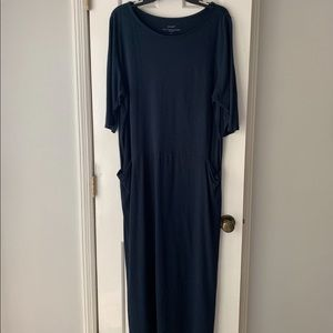 JJILL navy maxi dress with pockets and slits